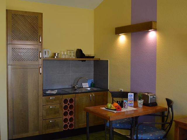 Kitchen - Paso Chico Gay Bungalows, Playa del Ingles, Gran Canaria